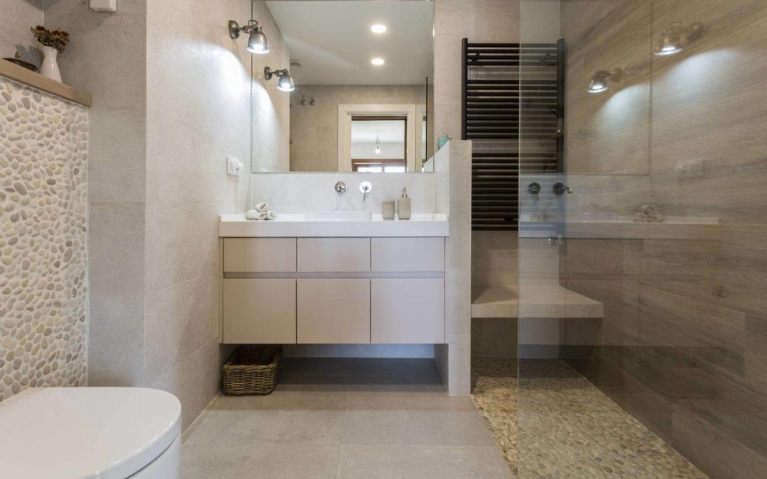 Consejos para iluminar tu baño